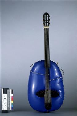 Guitare pliable et gonflable   Baschet
