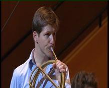 Présentation : concerto avec soliste, cor, suivi du 3e mouvement du Concerto pour cor n°3 K.447 (Rondo)   Wolfgang Amadeus Mozart